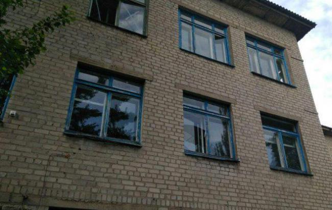 Фото: последствия обстрела Торецка (police.dn.ua)