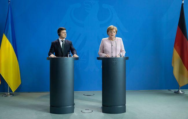 Зеленский провел очередные переговоры с Меркель