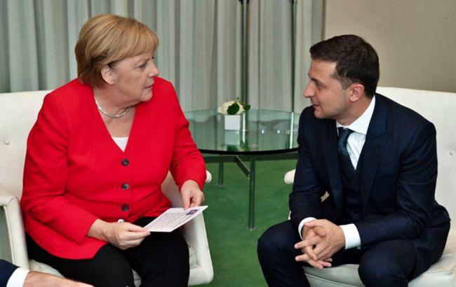 Зеленський поскаржився Меркель на відсутність прогресу щодо Донбасу