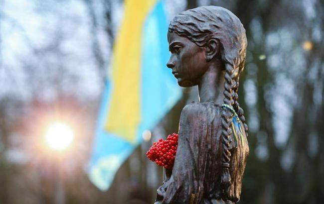 Фото: памятник жертвам Голодомора в Украине (president_gov_ua)