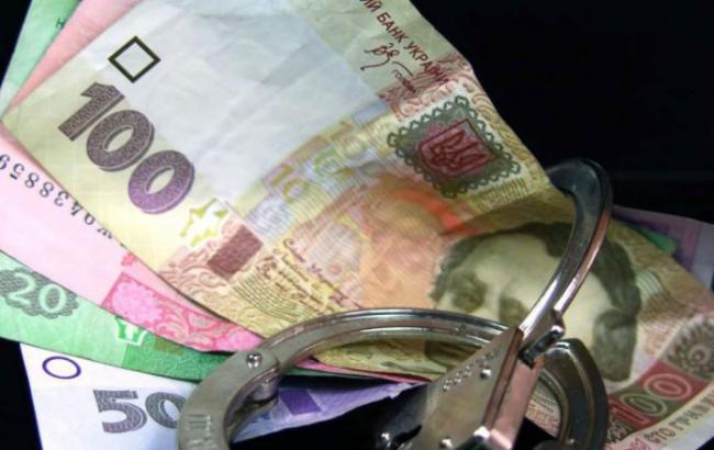 ВКиеве чиновницу КГГА поймали навзятке в40 тысяч гривен