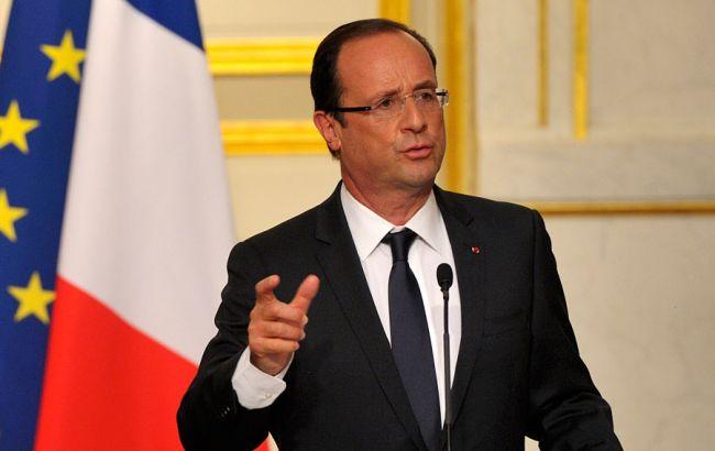 Олланд пообіцяв відповісти на хакерську атаку на штаб Макрона