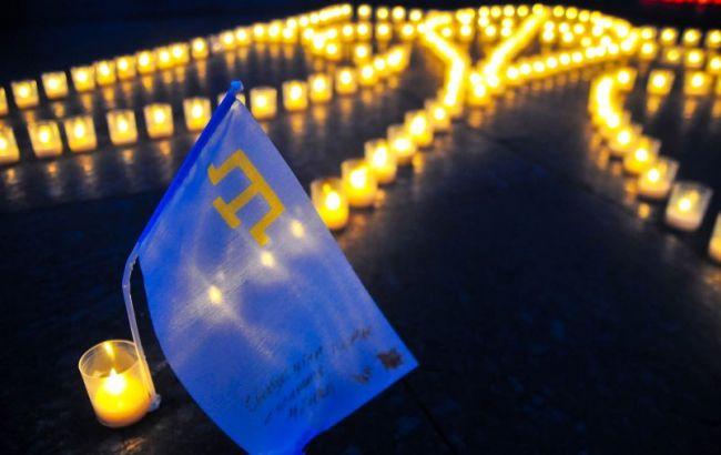 Фото: акция-реквием в Киеве, посвященная годовщине депортации крымских татар