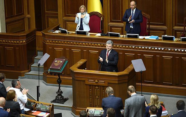 Порошенко против изменений Конституции, которые предусматривают выборы президента в Раде