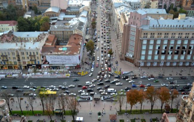 Фото: традиционные для украинской столицы пятничные заторы