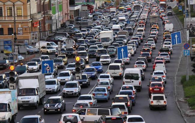 Фото: пятничный трафик по-киевски