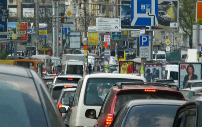 Фото: перевантаженість дорожнього простору столиці України в годину пік (Auto.Bigmir.Net)