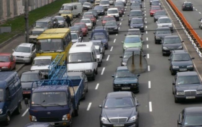 Пробки вКиеве достигли восьми баллов