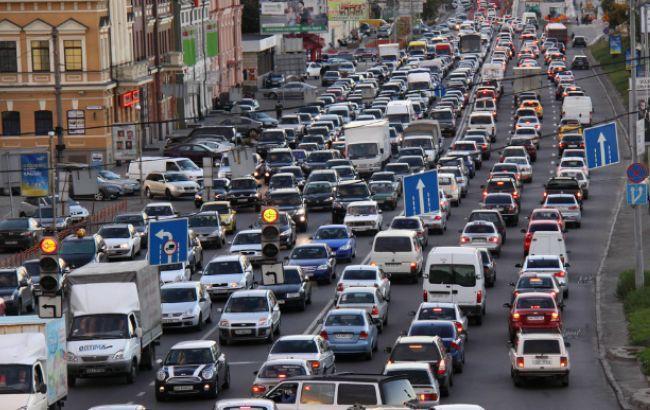Фото: перегруженность дорожного пространства столицы Украины в час пик