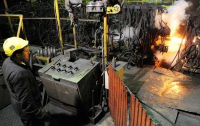 Промвиробництво в Україні в жовтні сповільнив падіння до 5%