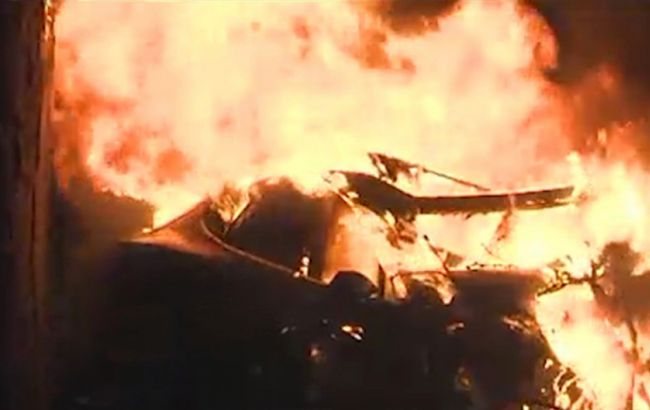 Фото: в результате взрыва автомобиля Tesla погибли два человека