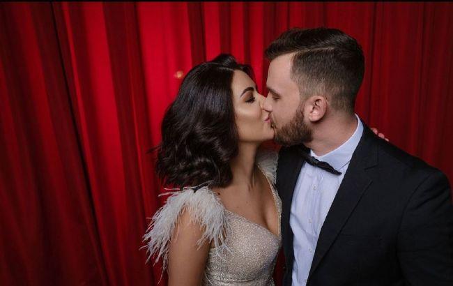 Колишня наречена Козловського виходить заміж: Раміна показала кільце