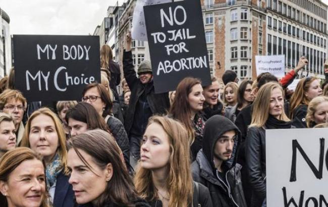 Фото: Масові протести жінок у Польщі (112.ua)