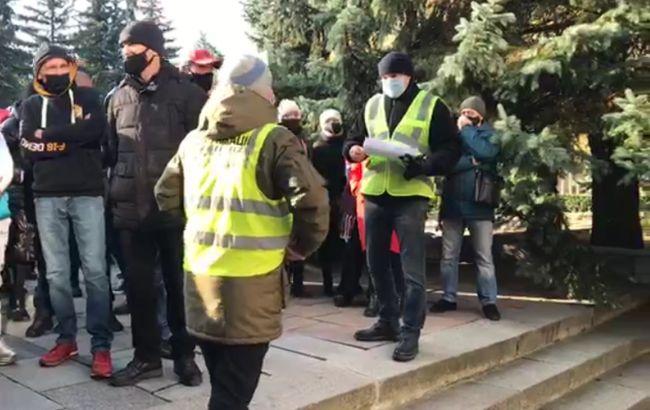 В Ровно предприниматели вышли на протест из-за карантина выходного дня