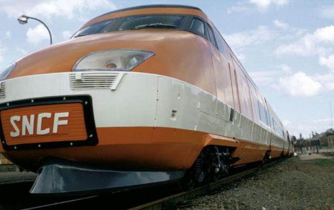 Фото: крушение поезда произошло во Франции