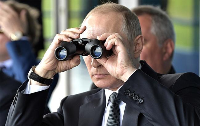 """""""Инертность и страх"""": политолог рассказал, кто может составить реальную конкуренцию Путину"""