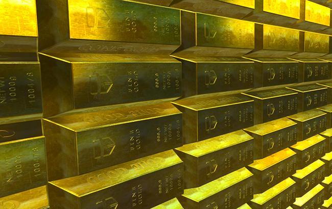НБУ понизил курс золота до 345,56 тыс. гривен за 10 унций
