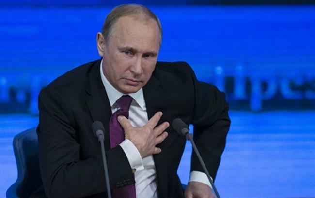 Путин поздравил украинцев с Днем Победы, не упомянув Порошенко