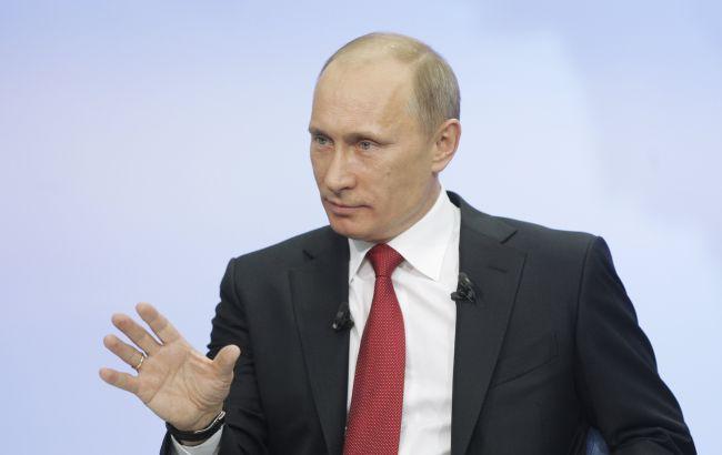 """Фото: Путин едет в аннексированный Крым, чтобы """"успокоить своих адептов"""""""