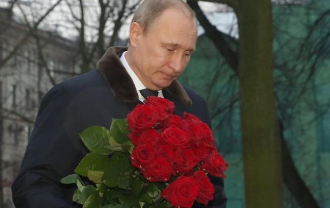 Фото: Корзина роз (sobesednik.ru)