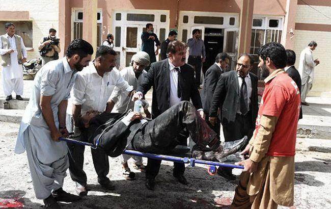 Фото: террористы атаковали больницу на северо-западе Пакистана
