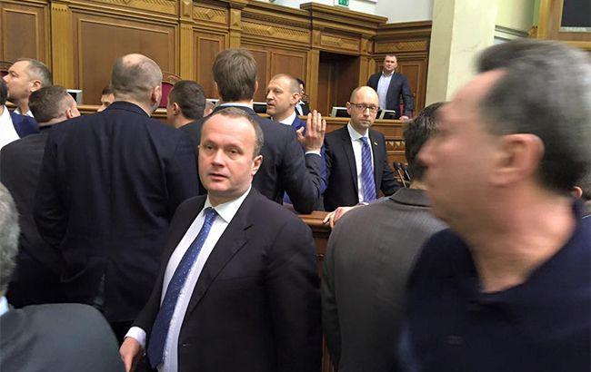 Эффект Барны: как Яценюк выступал в парламенте, и что ждет премьера