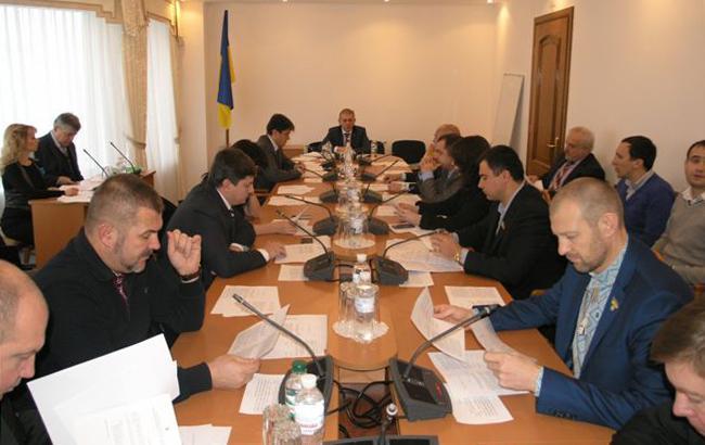 Комітет рекомендує Раді підтримати введення воєнного стану