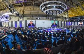 """Петро Порошенко викликав регіони """"на килим"""""""
