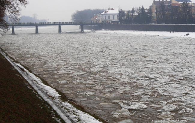 Фото: на внутренних водоемах начал таять лед (rada-uzhgorod.gov.ua)