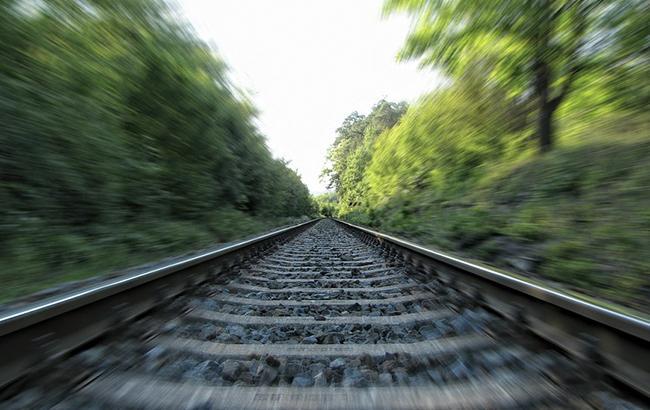 Фото: поїзд збив на смерть чоловіка (Pixabey)