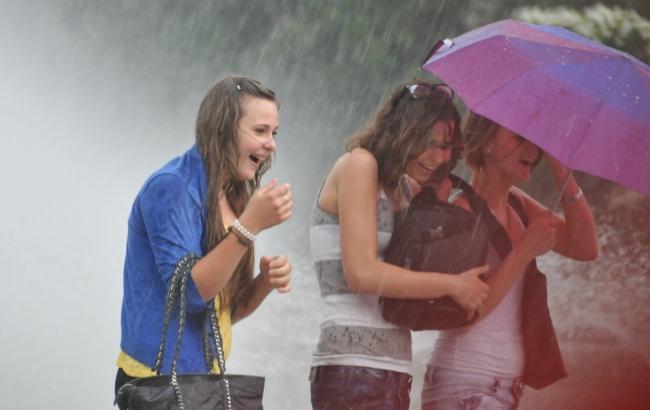 Йдуть дощі: українців попередили про зміни погоди