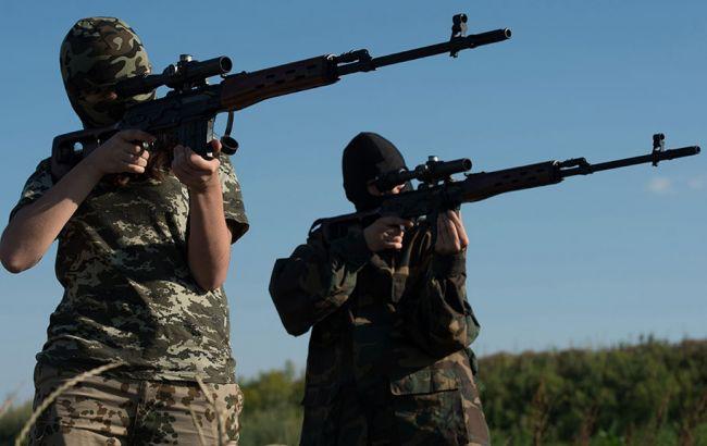 Фото: на Донбасі бойовики залучають підлітків у свої ряди