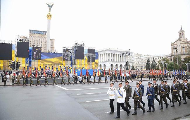 Фото: військовий парад у Києві-2016