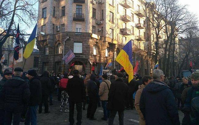 Участники блокады Донбасса обустраивают палаточный городок под АПУ