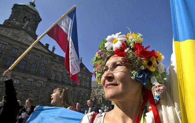 Результати екзит-полу на референдумі в Нідерландах: проти УА України з ЄС - 64%