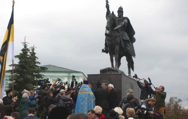 Фото: Так всегда выглядел памятник Ивану Грозному (ИА Regnum)