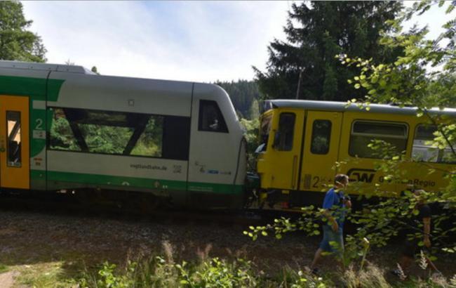 Фото: у Чехії відбулося зіткнення поїздів