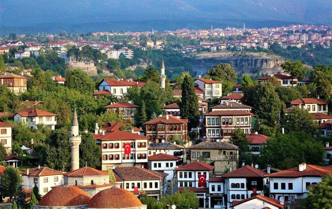Вопреки пандемии: малоизвестная локация в Турции привлекла тысячи туристов