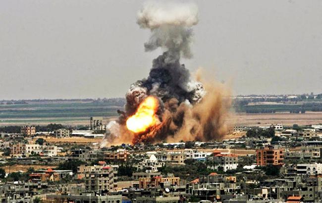 Истребитель правительственных войск сбит над территорией Сирии, пилот захвачен боевиками