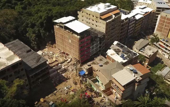 В Бразилии обрушились два жилых многоэтажных дома, есть жертвы