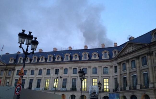 У центрі Парижа горить готель Ritz