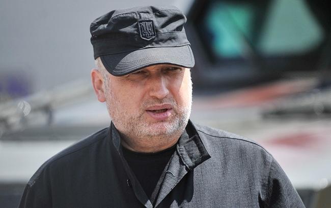 Правозахисники звинуватили Турчинова у дискримінації мешканців Донбасу і Криму