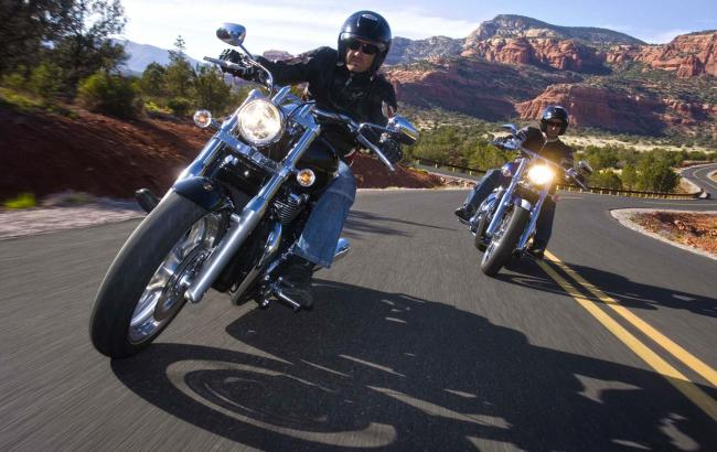 Фото: Мотоциклисты (ultradesktop.us)