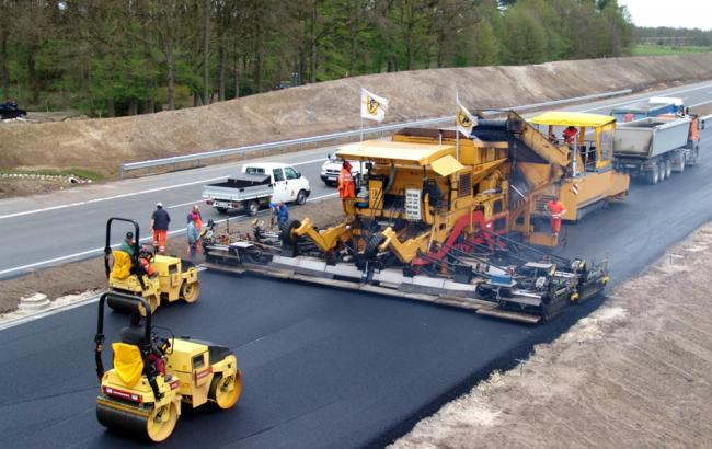 Фото: строительство дорог в Украине