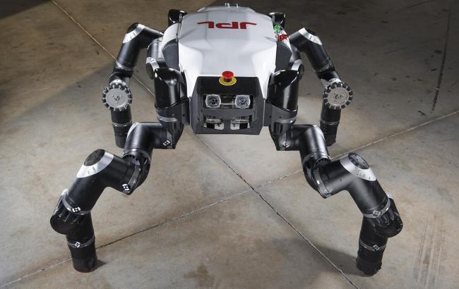 Фото: Робот RoboSimian (Space.com)