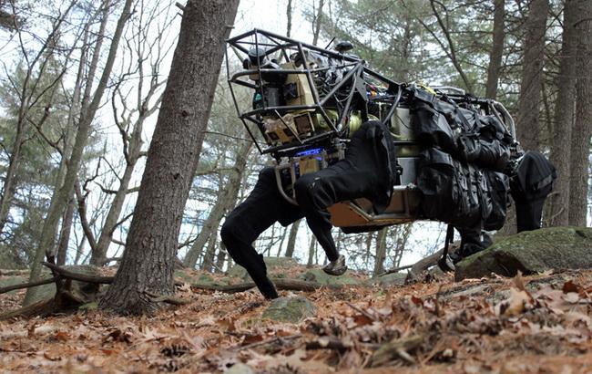 Фото: робот-мул от DARPA