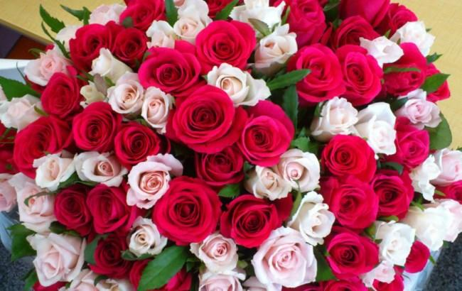 В Киеве подросток украл огромный букет роз, чтобы сделать подарок на 8 марта