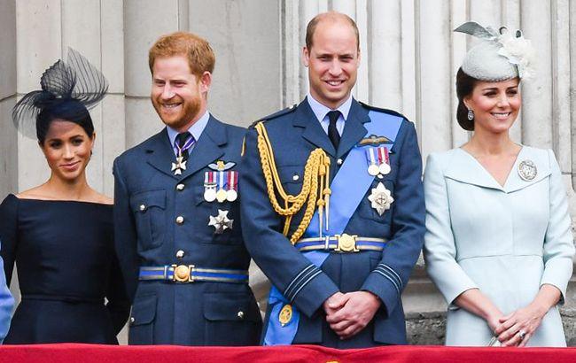 Королева настаивает: Меган и Гарри скоро воссоединятся с Кейт и Уильямом
