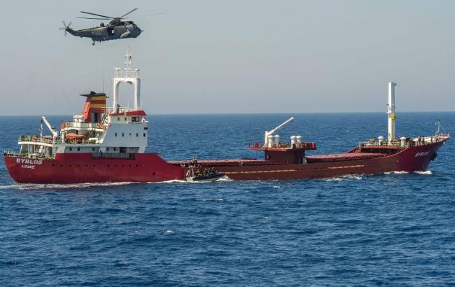 Фото: операция НАТО в Средиземном море