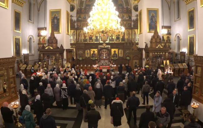 У Донецькій області поліція відкрила справу через збори понад 300 осіб в церкві